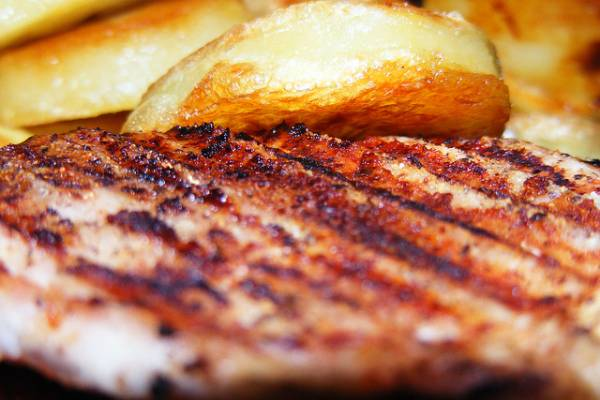Grilled meat with oven potatoes