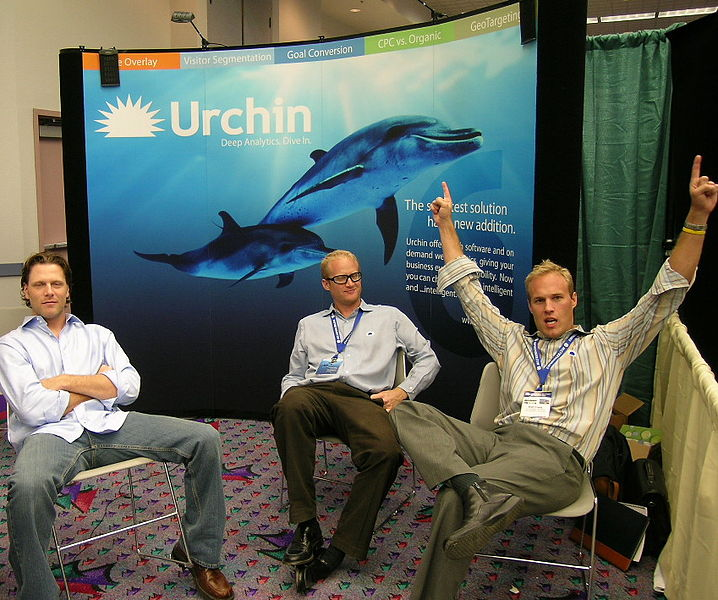 718px-Urchin-tradeshow-booth-dive-in