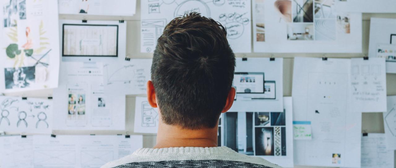 Marketer looking at social media marketing plans