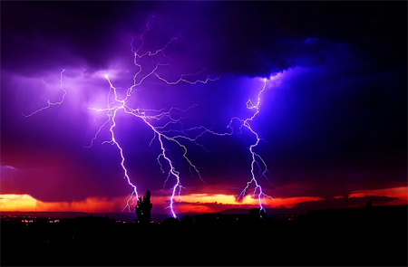 Photos of Lightning - Light for the Way