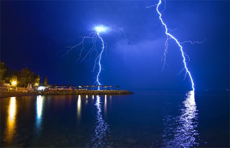 Photos of Lightning - Crossfire