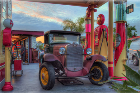 The Grove Mall - Vintage Car & Gas Station