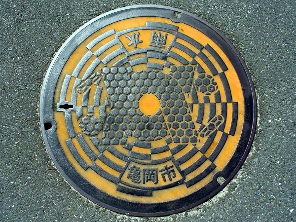 Japanese Manhole  Design, documented by MRSY via YouTheDesigner.com