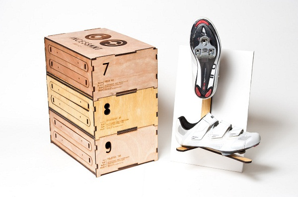 Incessant Shoes Packaging 01 by Jinah Lee via YouTheDesigner.com