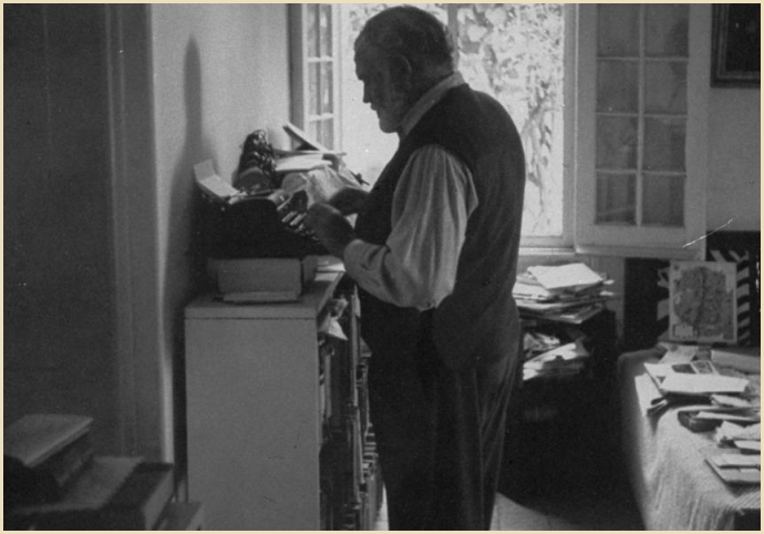 Hemingway-standing-while-writing