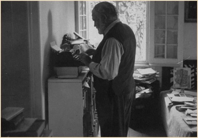 Hemingway-standing-while-writing