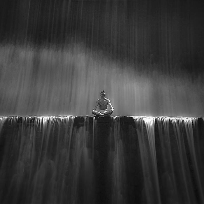 Hengki-Koentjoro-Black-and-White-Photography-001