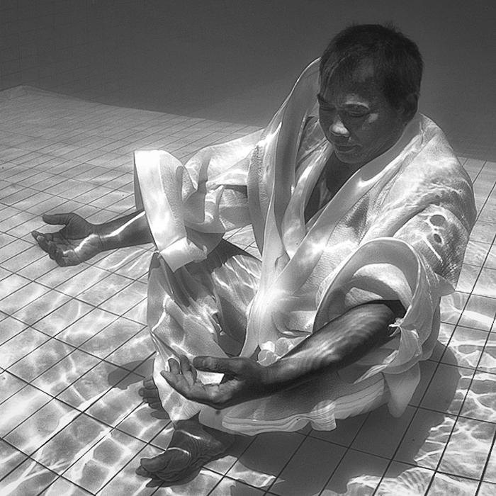 Hengki-Koentjoro-Black-and-White-Photography-002