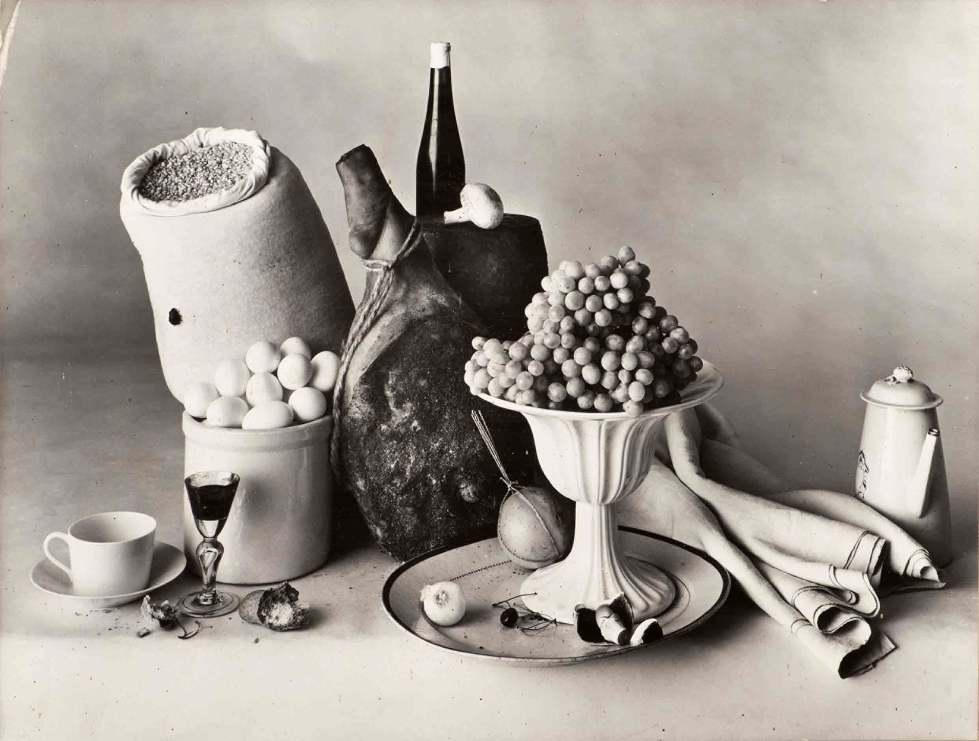 the life and works of irving penn Irving penn: centennial, opening april 24, 2017, will be the most comprehensive exhibition of the great american photographer's work to date and will include both masterpieces and hitherto unknown prints from all his major series.