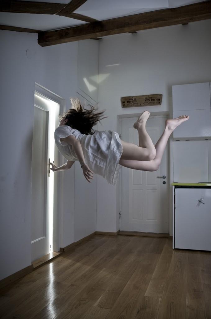 Mina Sarenac Levitation Photography