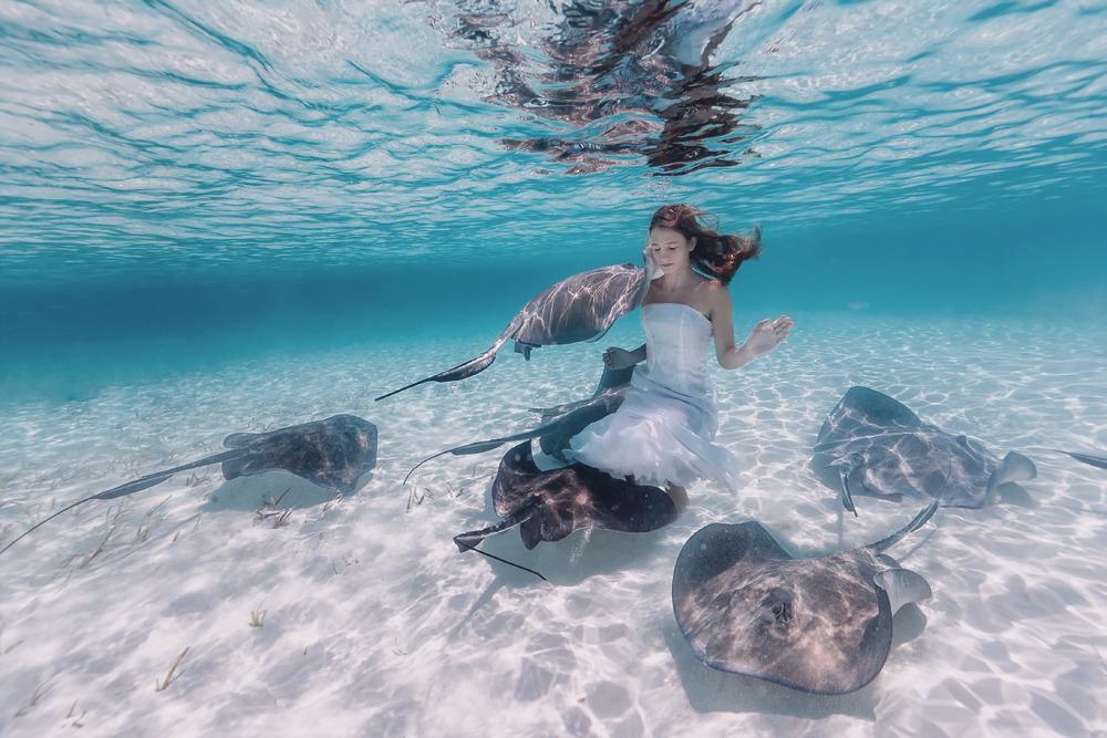 Elena Kalis Underwater Photography Stingray and Girl 7