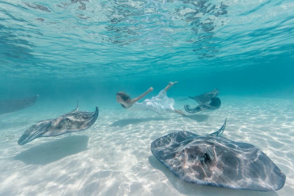 Elena Kalis Underwater Photography Stingray and Girl 8