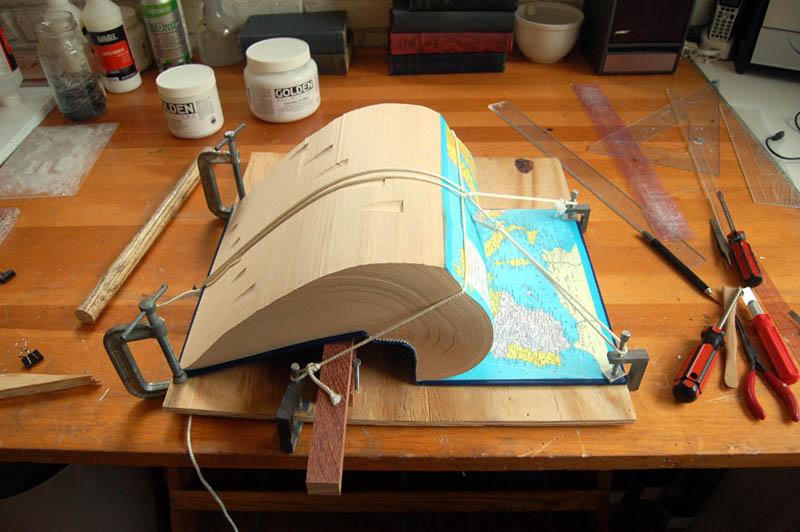 book-art-carving-sculpture-brian-dettmer-16