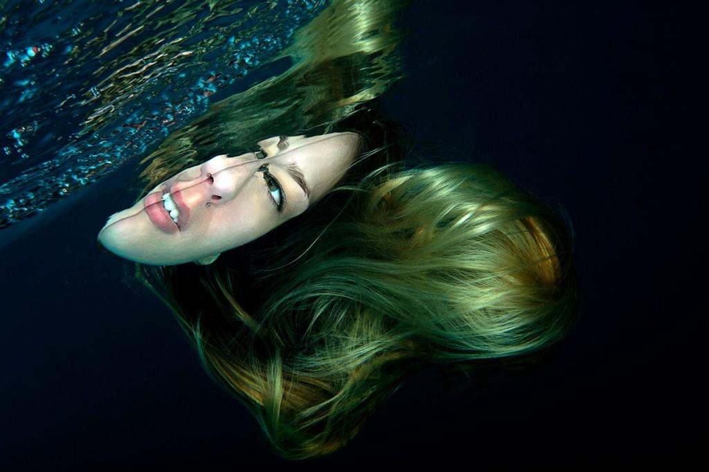 Unterwasser-Fotografie-Portrait-Haare-Diego-Gracia