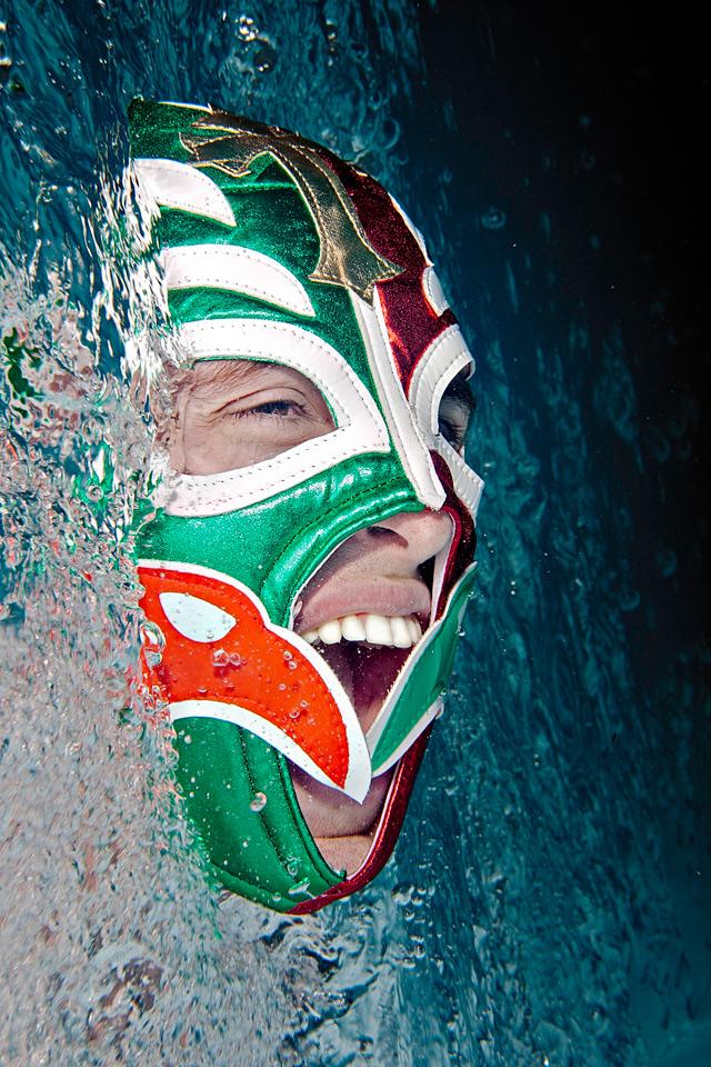 Unterwasser-Portrait-Maske-Lucha-Libre