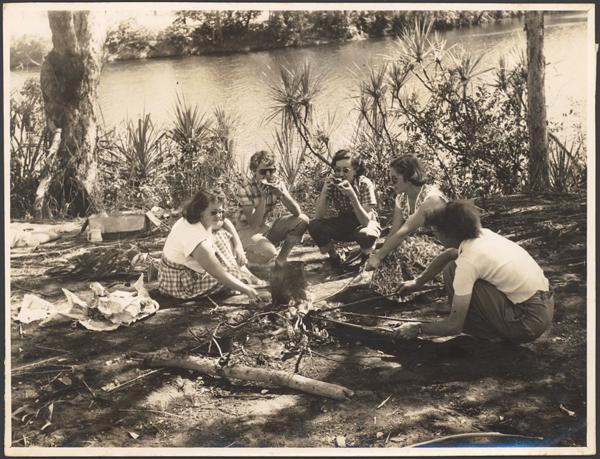 Hospital sisters picnic beside the Katherine River, Northern Territory / Arthur Groom