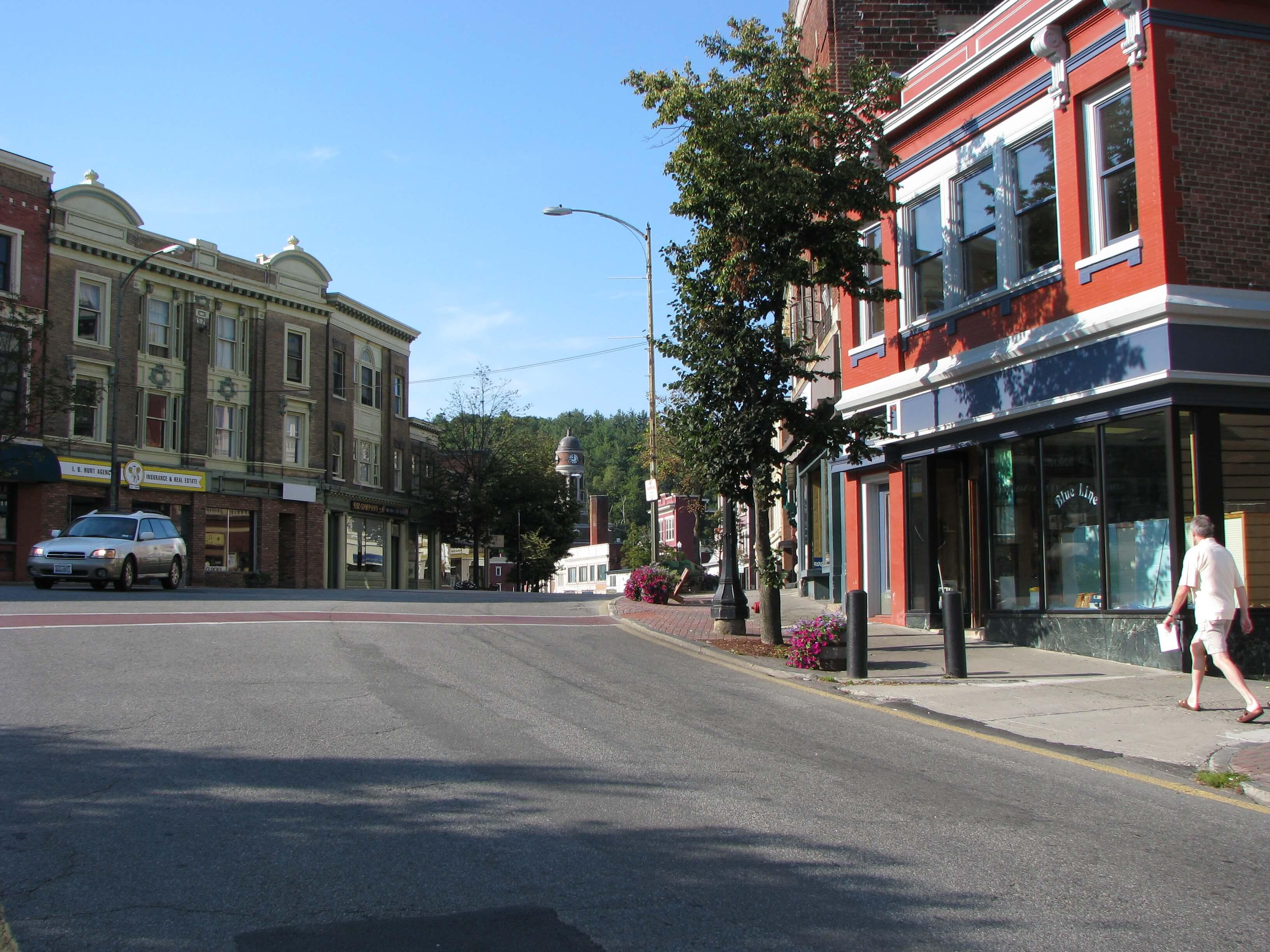 Berkeley_Square_Historic_District,_Saranac_Lake,_NY