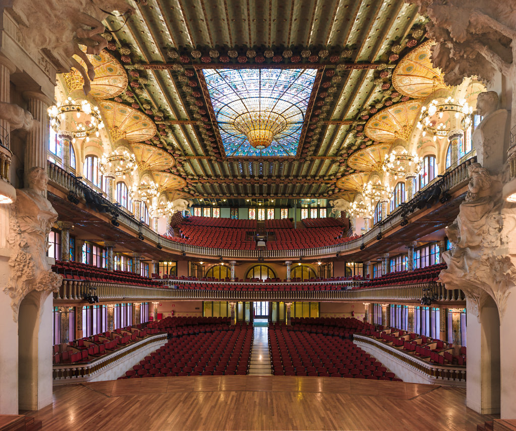 Symmetrical-Photographs-Theaters-Alonso-Gilles