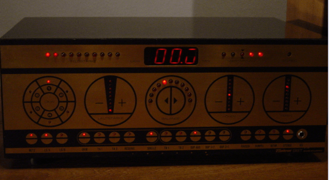 1975 Soviet-Klingon CMAPM PRECEIVER, digitally controlled via touchpad and LED display.