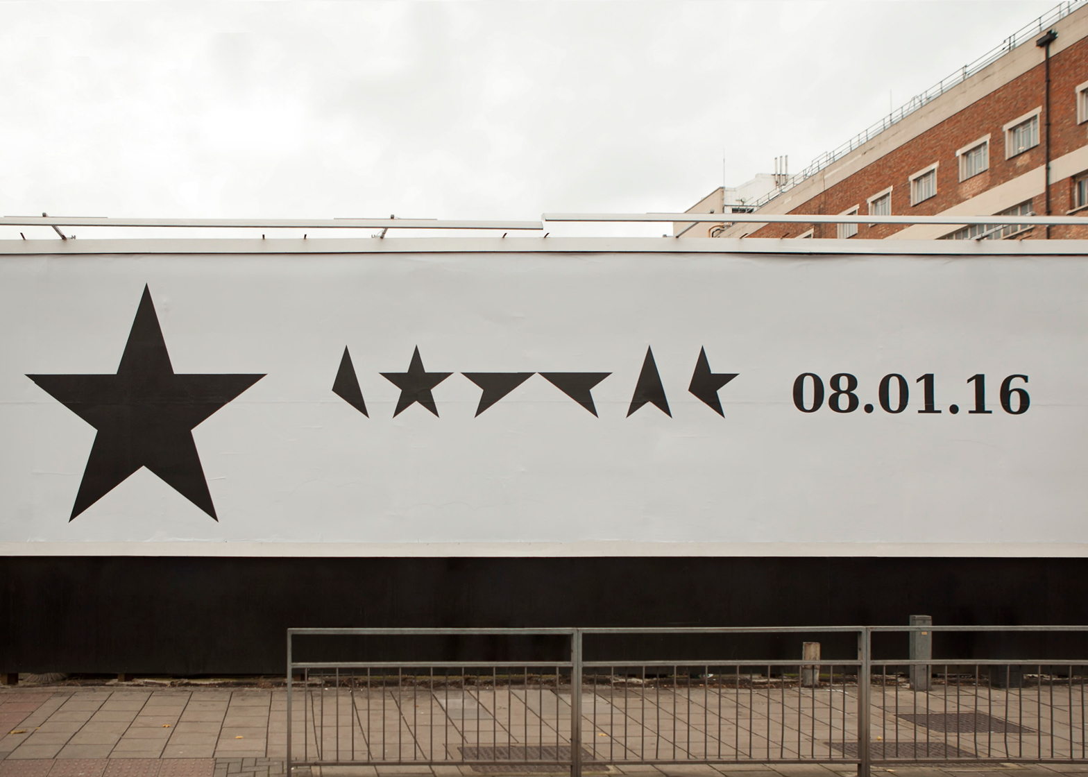 Jonathan-Barnbrook_David-Bowie_Blackstar_album-cover-art_dezeen_1568_02